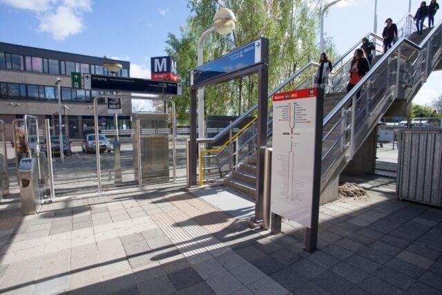 wayfinding-metro-amsterdam-bordenfamilie