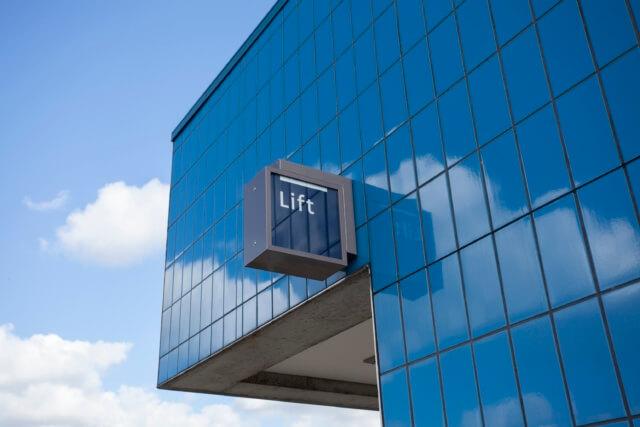 wayfinding-metro-amsterdam-lift