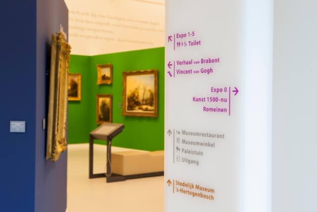 wayfinding-bewegwijzering-museumkwartier-kleurengalerij