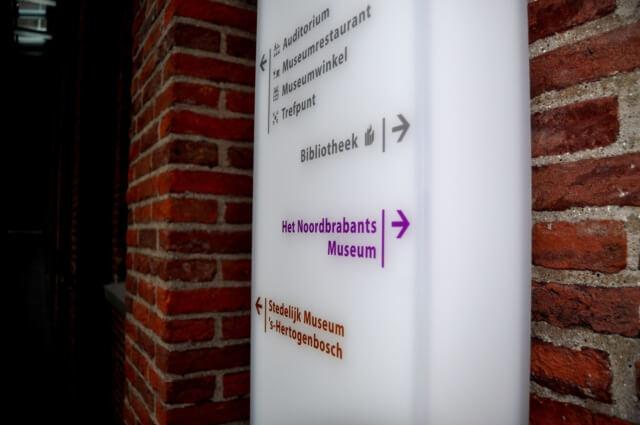 wayfinding-bewegwijzering-museumkwartier-zuil