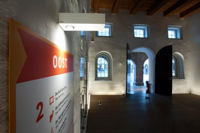 wayfinding-bewegwijzering-scheepvaartmuseum-hal