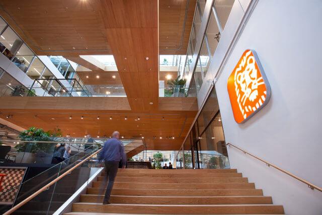 ING hoofdkantoor logo bij de trap